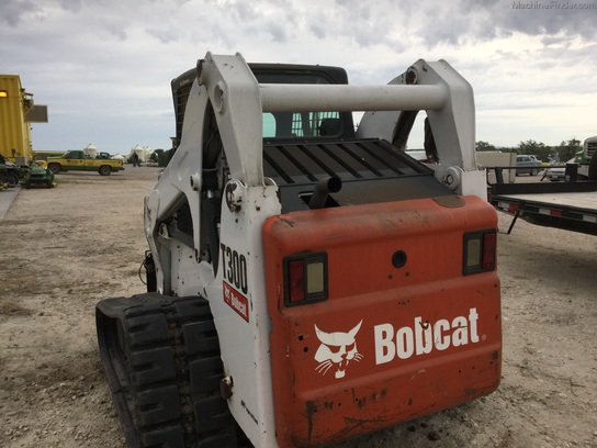 Nearest Used Tire Shop >> 2006 Bobcat T300 - Grossenburg Implement